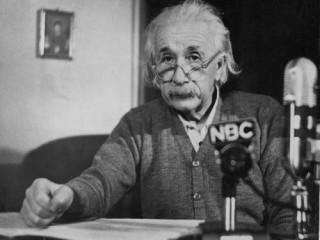 E=mc²: Einstein útskýrir jöfnuna frægu