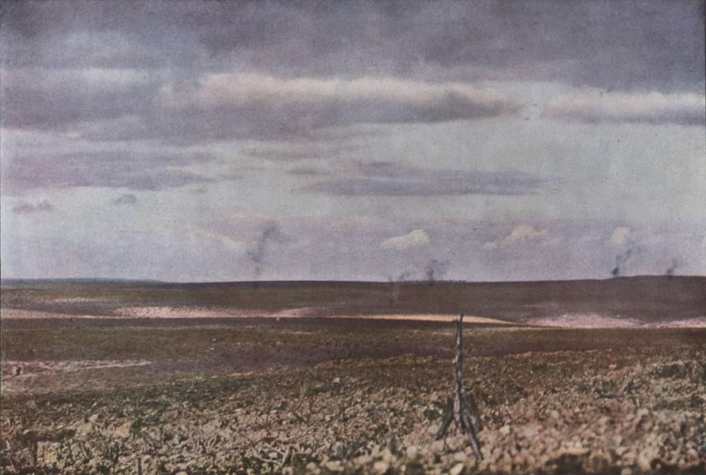 Gervais-Courtellemont: Stórskotalið hefur gjörsamlega sprengt í tætlur þennan vígvöll nálægt Verdun.