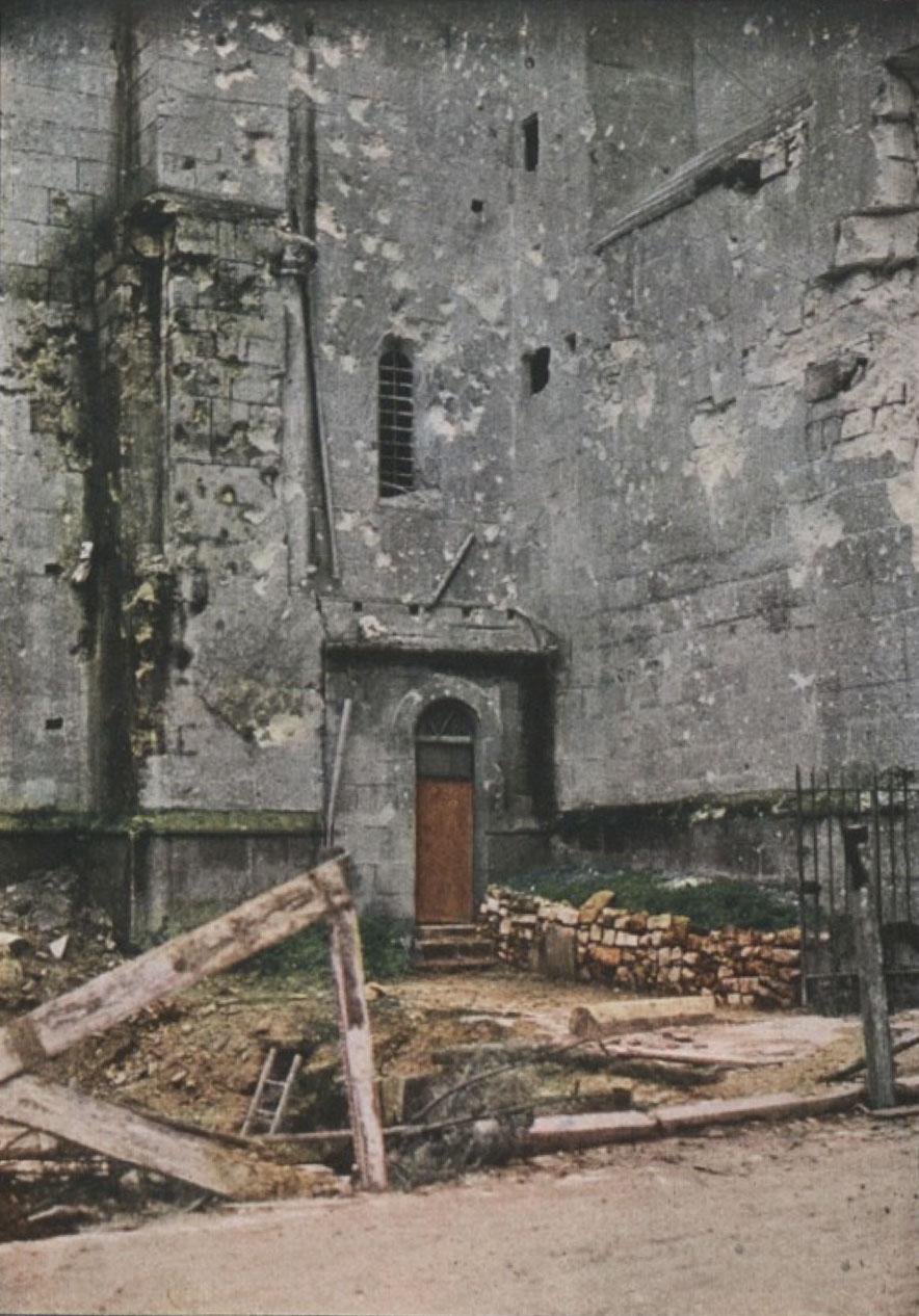 Gervais-Courtellemont: Kirkjan í Verdun, illa farin eftir sprengjurnar.