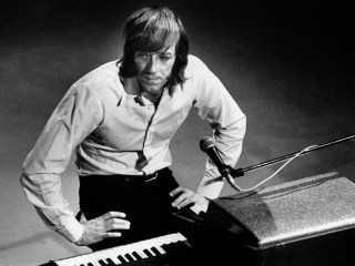 Ray Manzarek, orgelleikari The Doors, er látinn