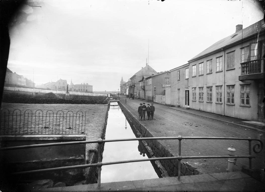 Lækurinn og Lækjargata 2-14, 1905-1907