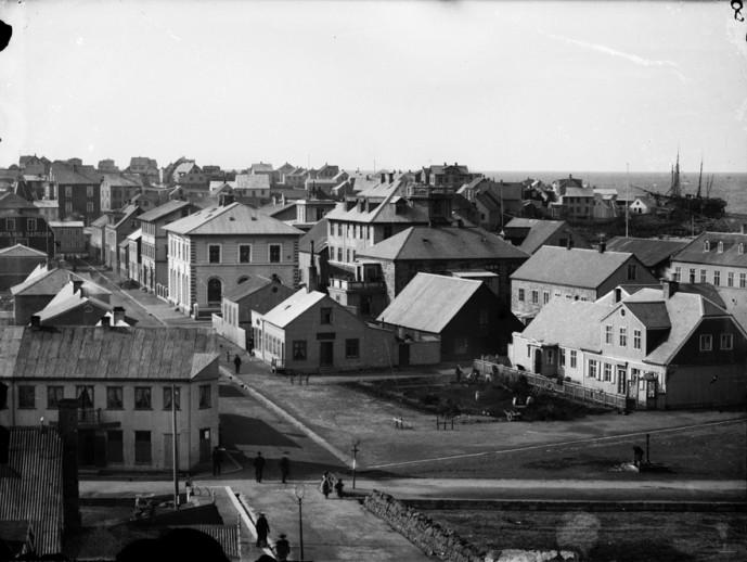 Séð vestur yfir Kvosina, 1904