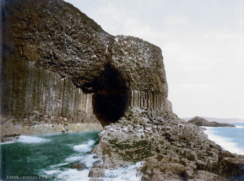 Scotland-Staffa-Fingals-Cave-1900