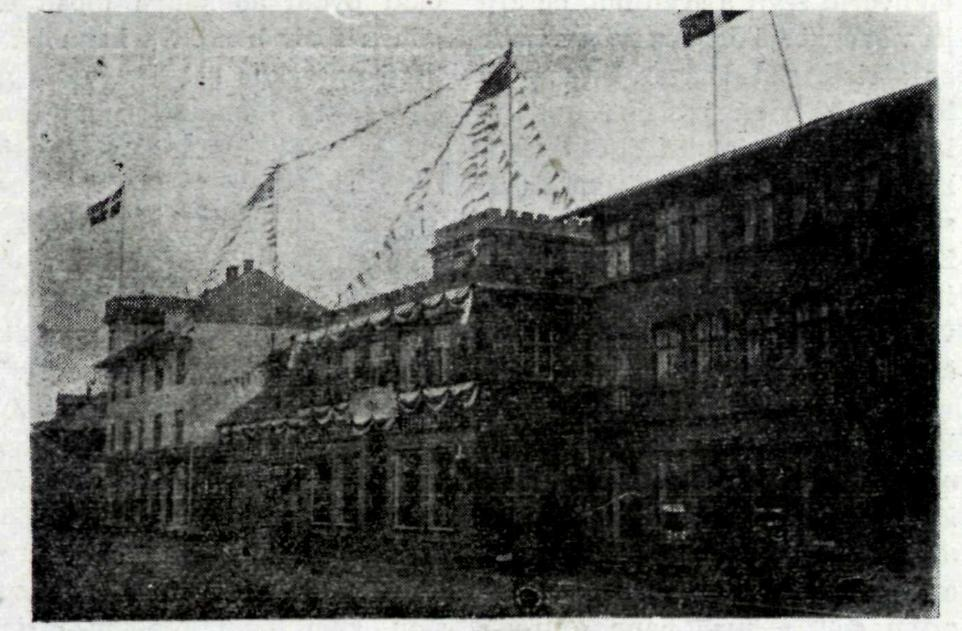 Hafnarstræti, lengst til vinstri sést Ingólfshvoll.