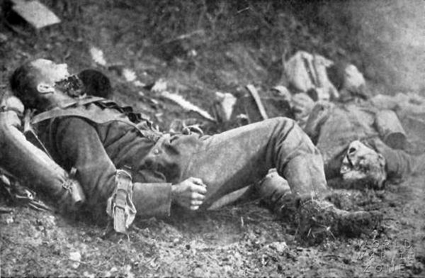 artillery-german-dead