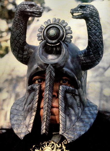 Thulsa Doom og snákahjálmurinn