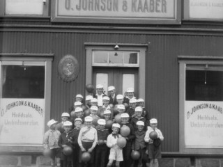 Bakarí, hárgreiðslustofur, frystihús og sauðfé: Ljósmyndir af Reykjavík um 1930