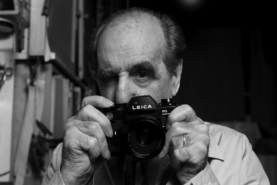 """""""Augun sem sáu heila öld"""": Þannig var argentínska ljósmyndaranum Horacio Coppola (1906-2012) líst.  Mynd af honum níræðum árið 1996."""