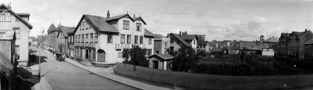Verslunin Hamborg í Aðalstræti 9, ca 1925.