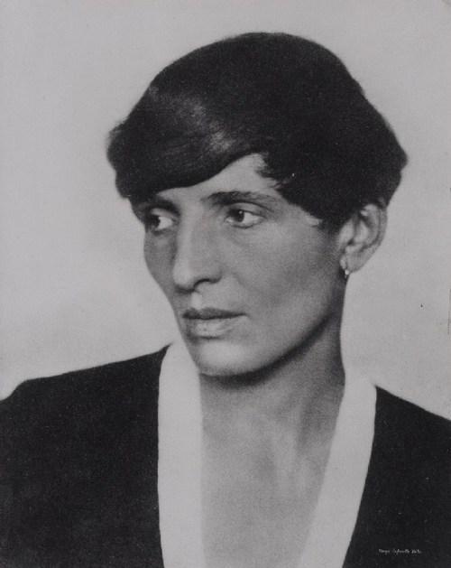 Renée Sintenis (1888-1965) á sínum yngri árum. Hún var þekkt fyrir að fara sínar eigin leiðir.