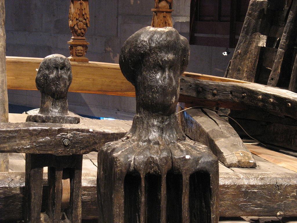 1024px-Vasa-knightheads