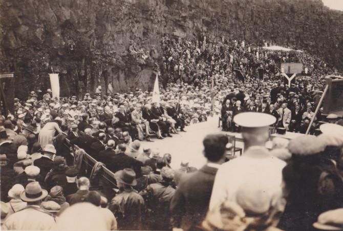 Myndir 14 ára stúlku af konungsheimsókn og Alþingishátíðinni 1930