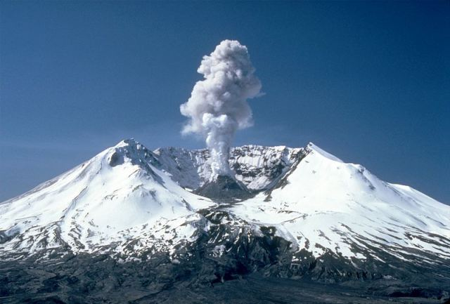 800px-msh82_st_helens_plume_from_harrys_ridge_05-19-82