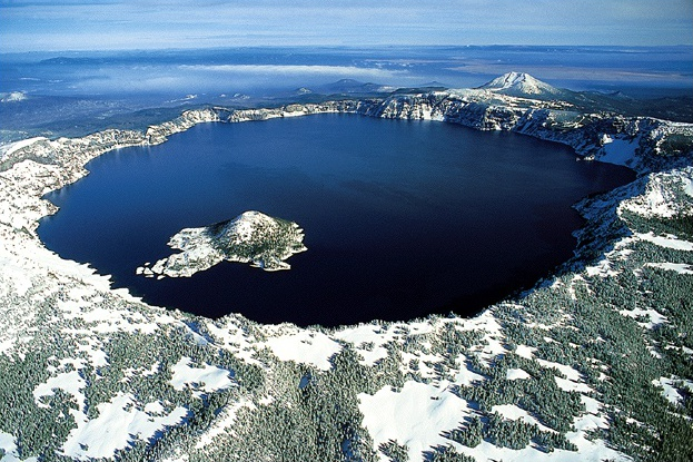 Crater Lake í Oregon.