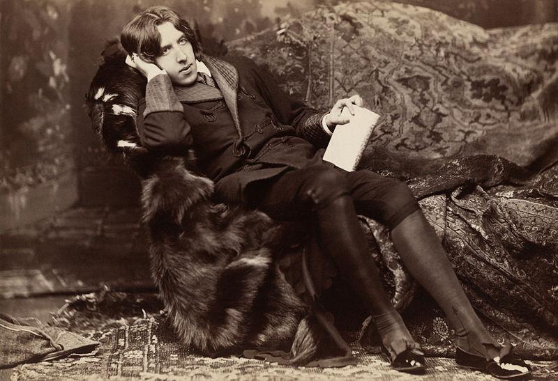 Oscar Wilde var dæmdur fyrir skort á velsæmi árið 1895. Hann var dæmdur til þrælkunarvinnu og fangelsisvistar.