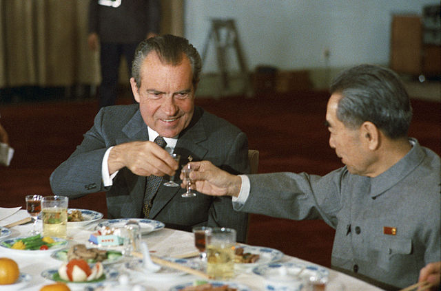 640px-Nixon_and_Zhou_toast