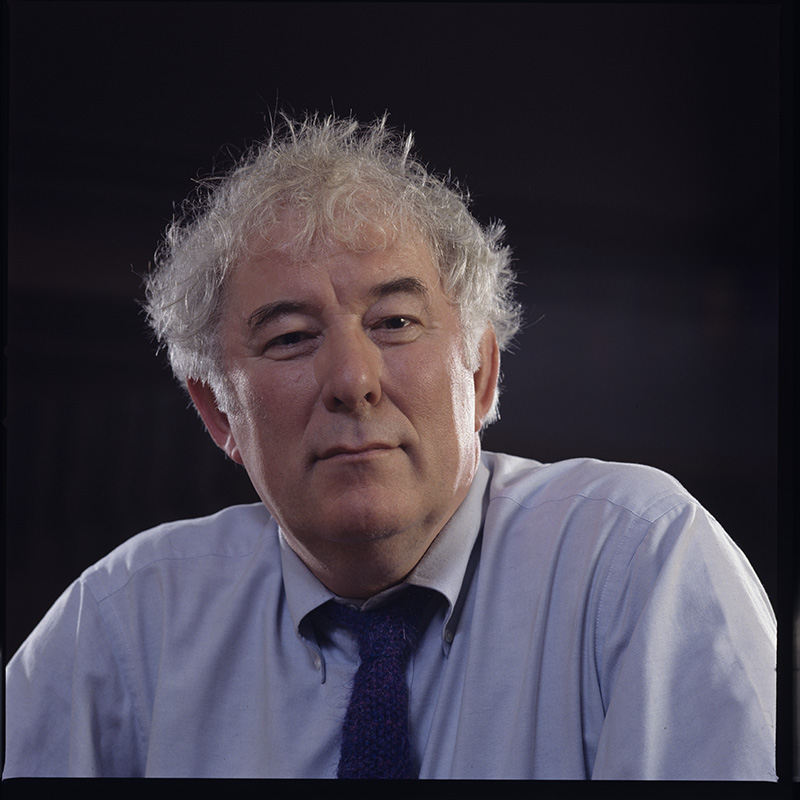 Seamus Heaney.  Mynd: Bobbie Hanvey (Boston College).