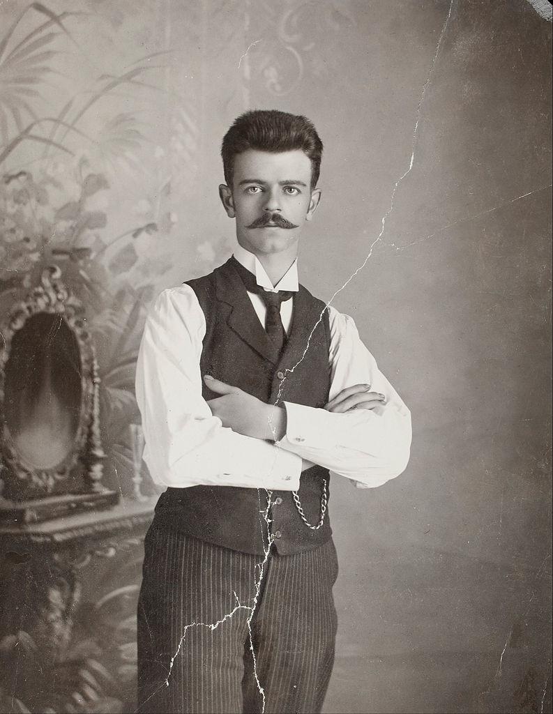 Guillermo Kahlo, pabbi Fridu. Hann var ljósmyndari og tók nokkrar af myndunum sem við sjáum hér.