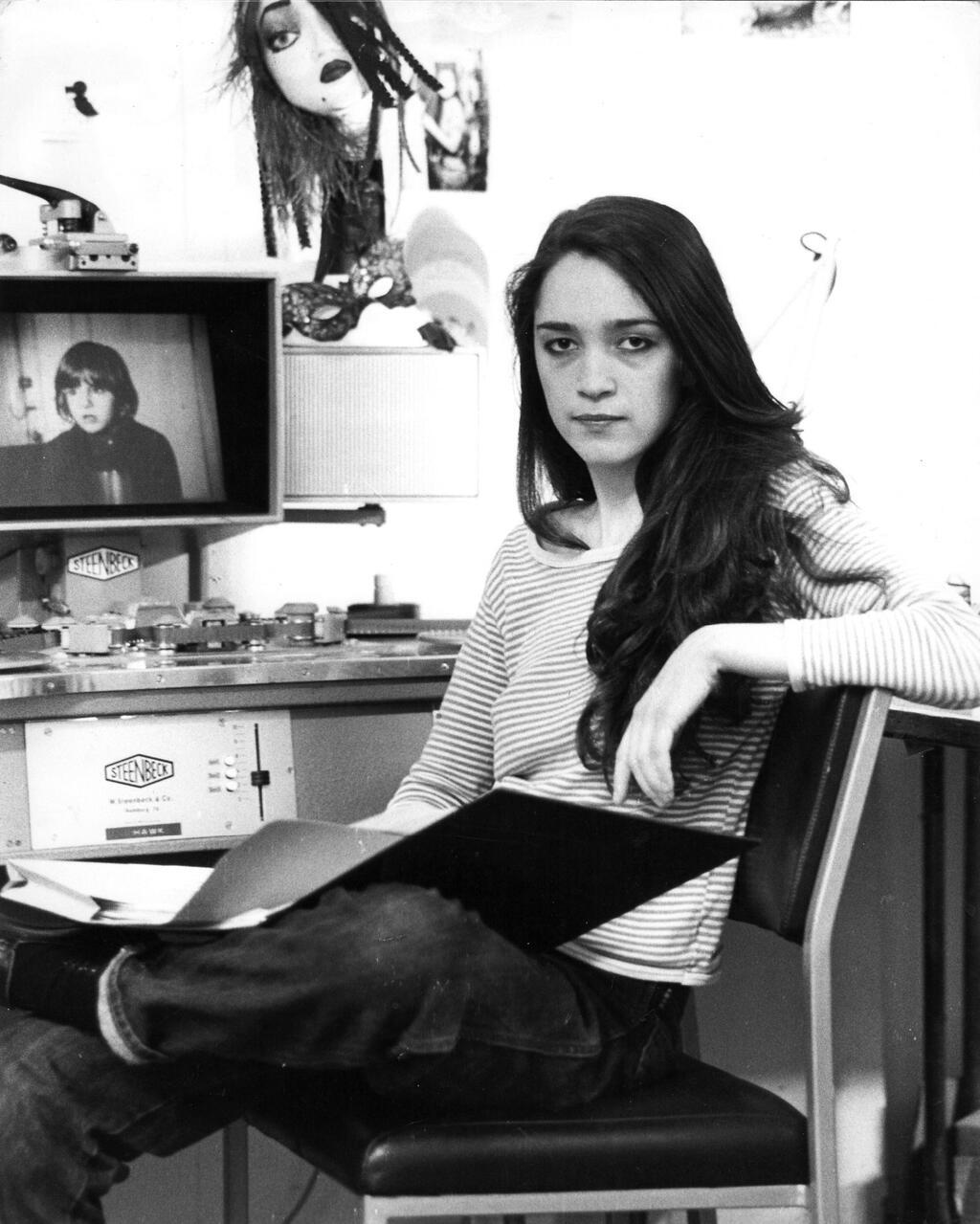 Vivian í EMI-kvikmyndaverinu árið 1980. Hún fékkst þar við klippingu á heimildarmynd um gerð kvikmyndarinnar The Shining.