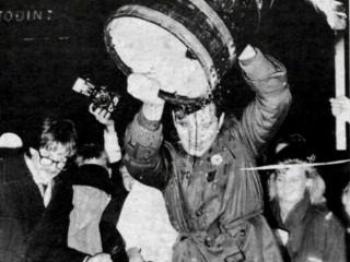 Bjórinn í 25 ár: Ólöglegu bjórlíki hellt niður