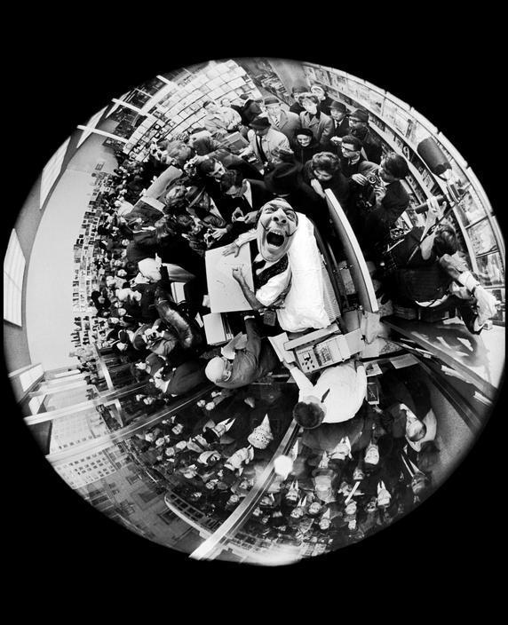 Salvador Dalí áritar bækur, 1963