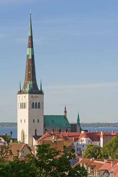 400px-st_olafs_church_tallinn_july_2008 (1)