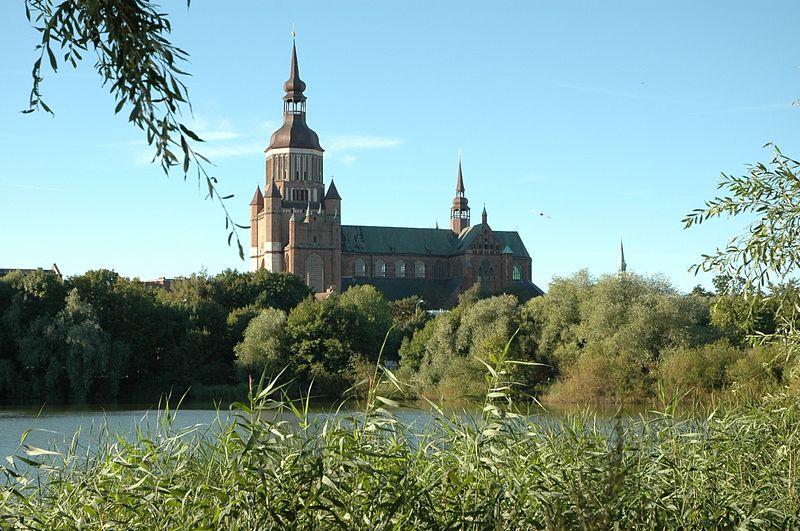 800px-stralsund_marienkirche