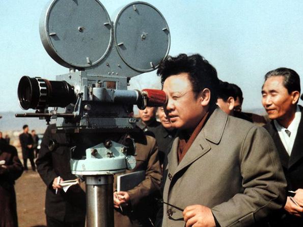 Kim Jong Il var yfirmaður kvikmynda í landinu áður en hann tók við valdataumunum.