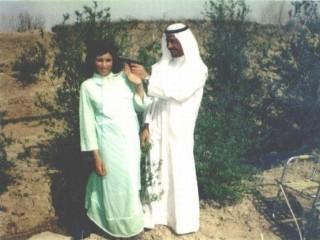 Saddam Hussein og fjölskylda leikur sér með byssur