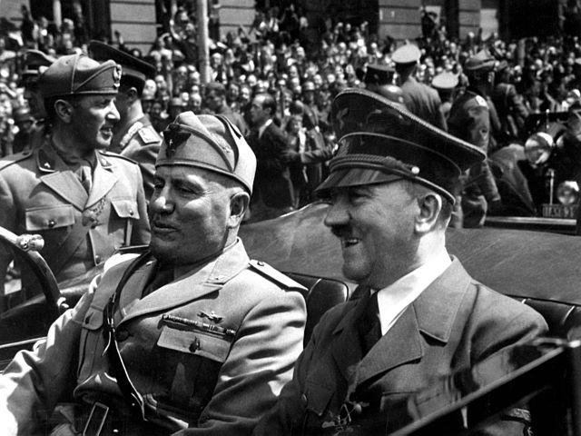 Mussolini og Hitler. Hedy Lamarr kynntist báðum.