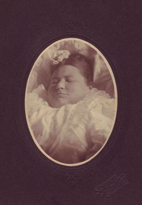 a98883_victorian-post-mortem-photography-skull-illusion-cvltnation-fat-madison