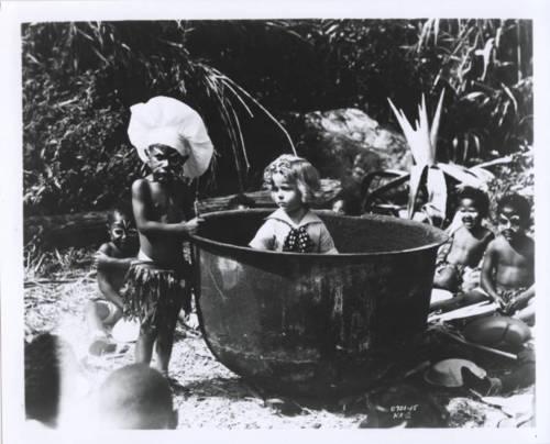 Kid in Africa (1933). Gamla afríska mannætustefið notað sem Íslendingar þekkja vel úr teiknimyndasögum Sigmunds úr Morgunblaðinu.
