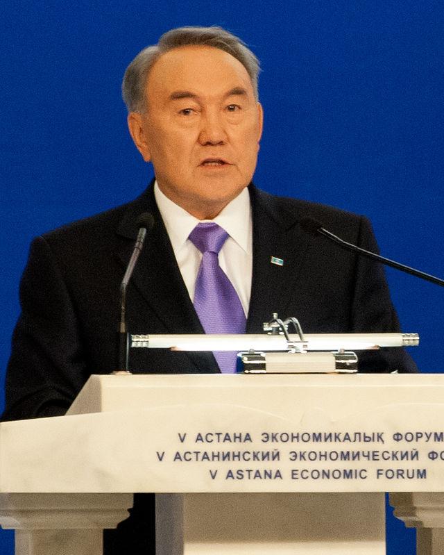 Nursultan Nazarbayev forseti.