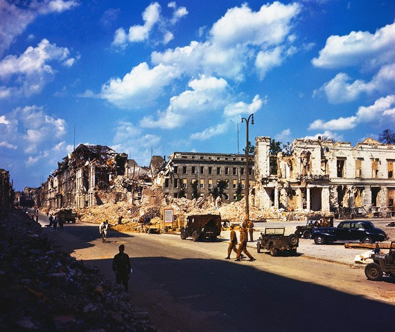 Color Photographs of Berlin in Summer of 1945 (3)
