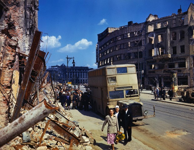 Color Photographs of Berlin in Summer of 1945 (5)