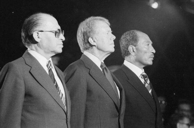 Menachem Begin, forseti Ísraels, Jimmy Carter, forseti Bandaríkjanna og Anwar Sadat, forseti Egyptalands.