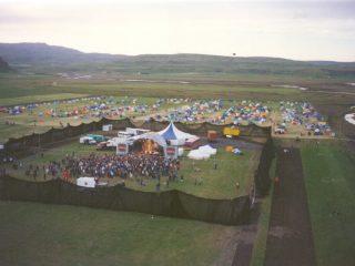 Uxi 95: Heimildarmynd um goðsagnakennda útihátíð