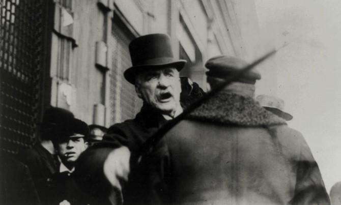 J.P. Morgan ræðst á ljósmyndara