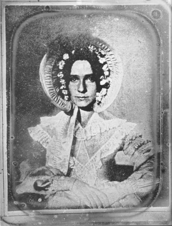 Fyrsta ljósmyndin af konu, 1839