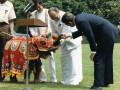 Jayewardene_presents_elephant_to_Reagan