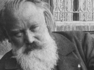 Upptaka af Jóhannes Brahms spila á píanó frá 1889