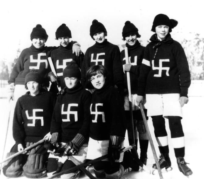 Hakakrossarnir, kanadískt íshokkílið frá 1922