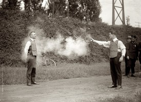 Lögreglan skýtur mann árið 1923