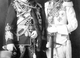 Frændurnir Nikulás II og Georg V.