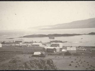 Vopnafjörður um 1900 á myndum Howells