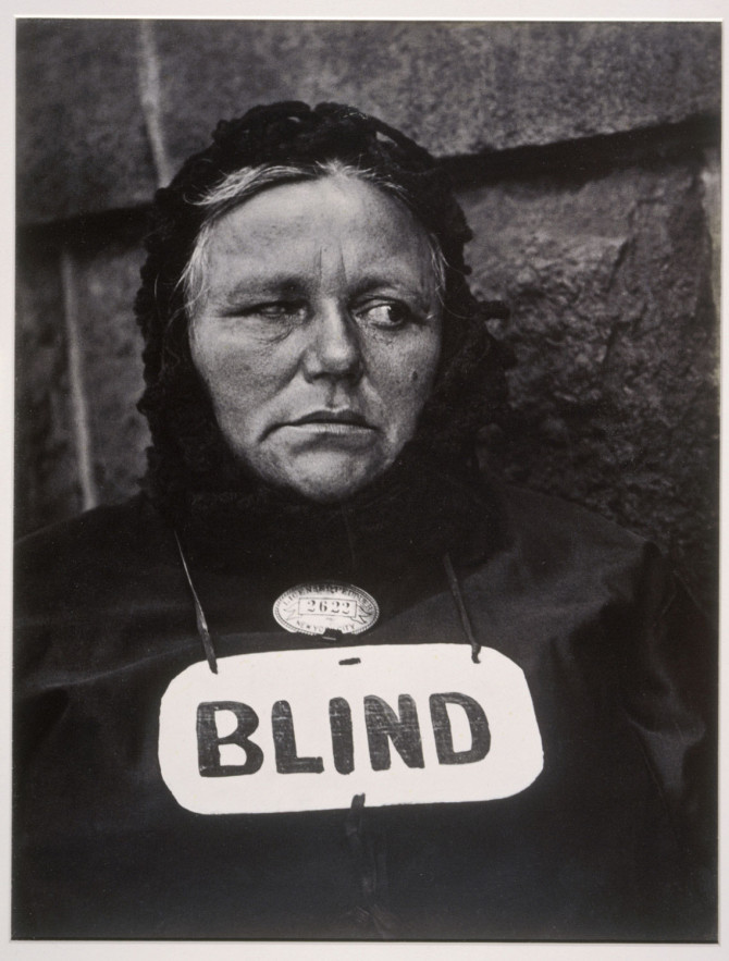 Blind kona í New York árið 1916
