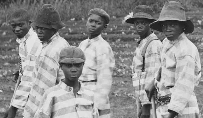 Barnungir fangar í þrælkunarvinnu í Bandaríkjunum árið 1903