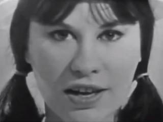 Brasilíska söngkonan Astrud Gilberto tekur lagið árið 1965
