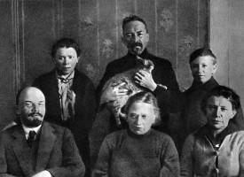 lenin_krupskaja_dm_uljanov_kvartira_osen_1920