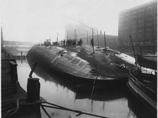 Skip á hvolfi í Chicagofljóti, 1915